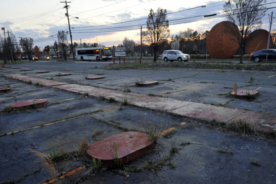 South Boulevard (formerly U.S. 21), Charlotte: This is all that remains of the original South 21 Curb Service Restaurant, opened by Greek immigrants in 1954 in the countryside outside Charlotte. At its peak, it had 54 car stations. South 21 closed around 2007, but a second South 21 Curb Service Restaurant still operates on Independence Boulevard.