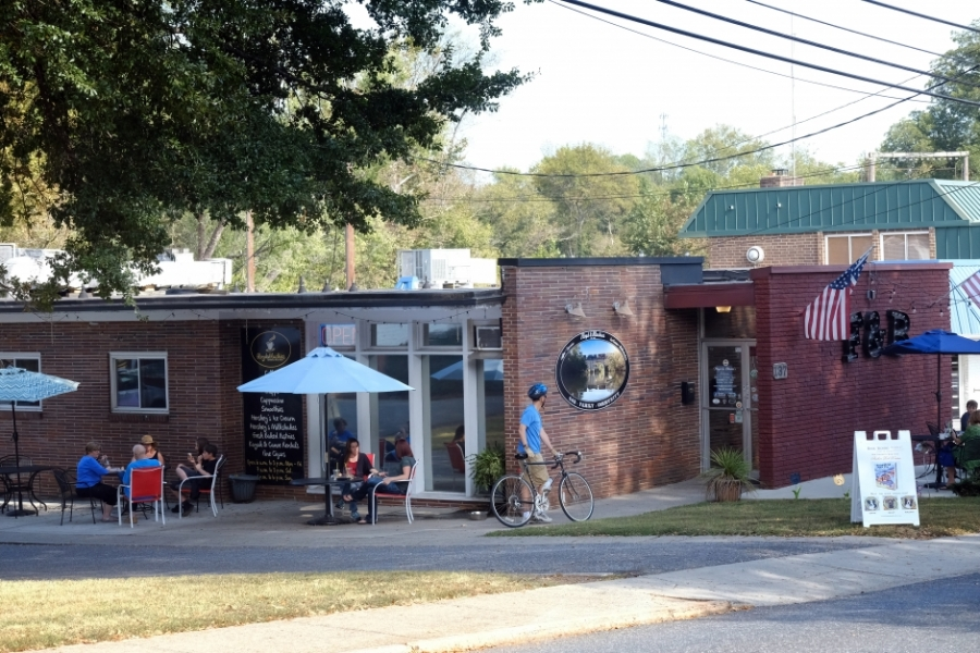 The most popular gathering spot in Cramerton: Floyd & Blackies, serving coffee, ice cream, smoothies. They also rent kayaks and have an informal landing behind the store. Photo: Nancy Pierce