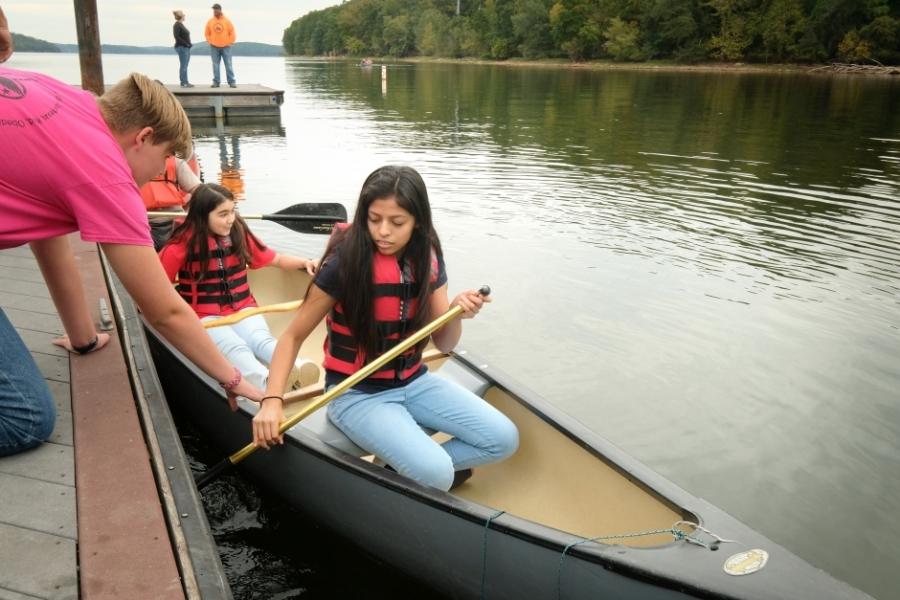 Preparing for a canoe ride on Badin Lake. Photo: Nancy Pierce.
