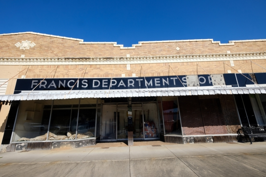 A shuttered department store in downtown Great Falls, S.C. Photo: Nancy Pierce