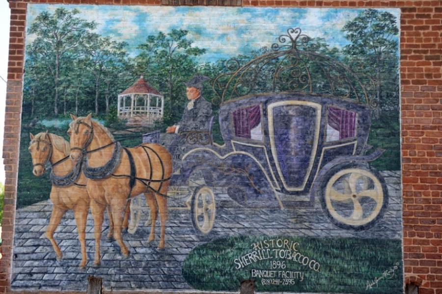 Mural on a building in the town of Catawba.