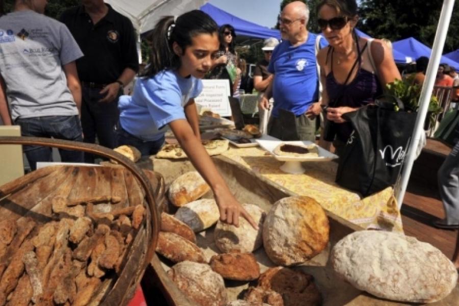 Davidson Farmers Market - Bread