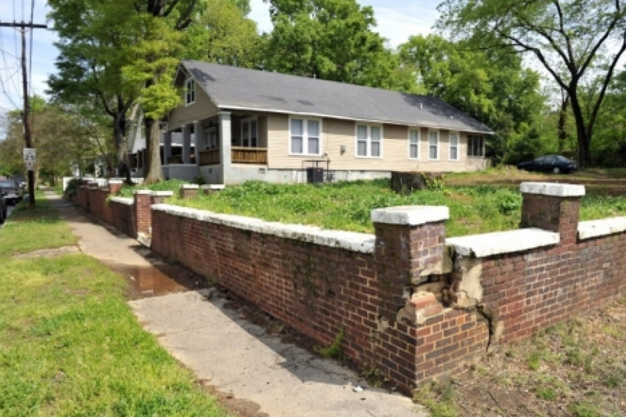 Villa Heights: Crumbling wall, vacant lot where a house once sat, near Allen and Grace streets.