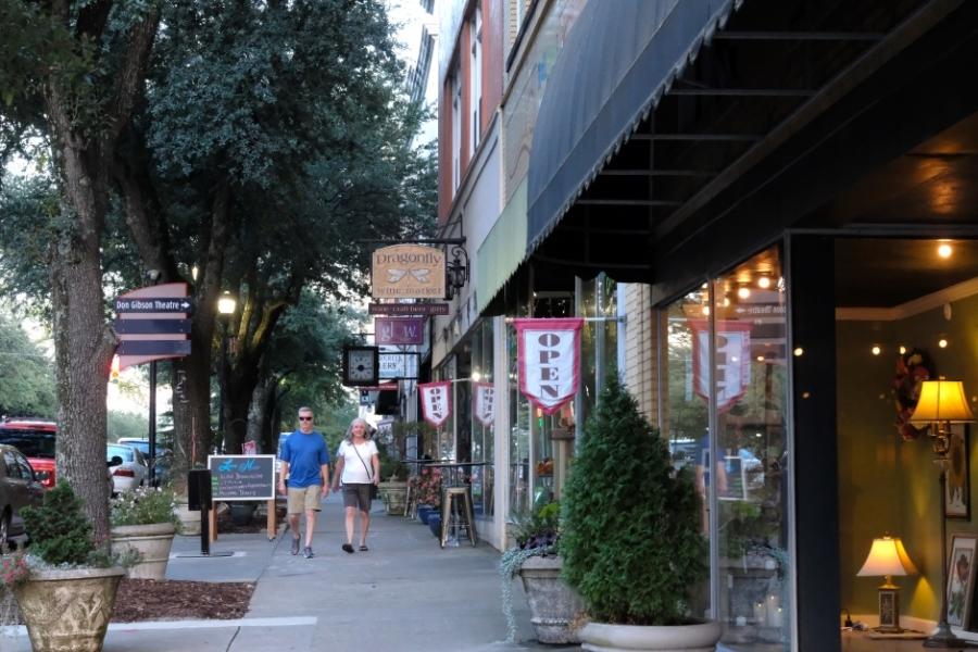 Shops on West Warren Street in uptown Shelby. Photo: Nancy Pierce